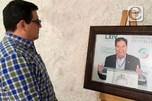 Diputado Jorge Caballero rinde homenaje póstumo a Joel Molina Ramírez