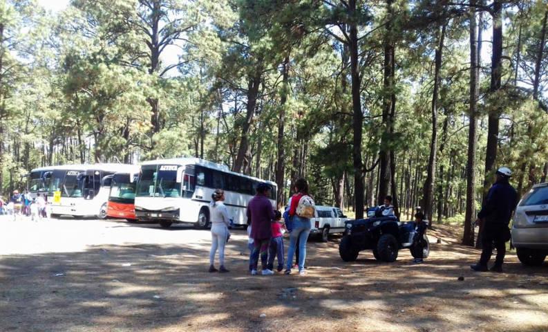Policía de montaña brindó seguridad  a un grupo de visitantes del sector educativo