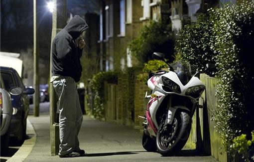 Va a un bar y al salir su moto no estaba, en Santa Cruz Tlaxcala