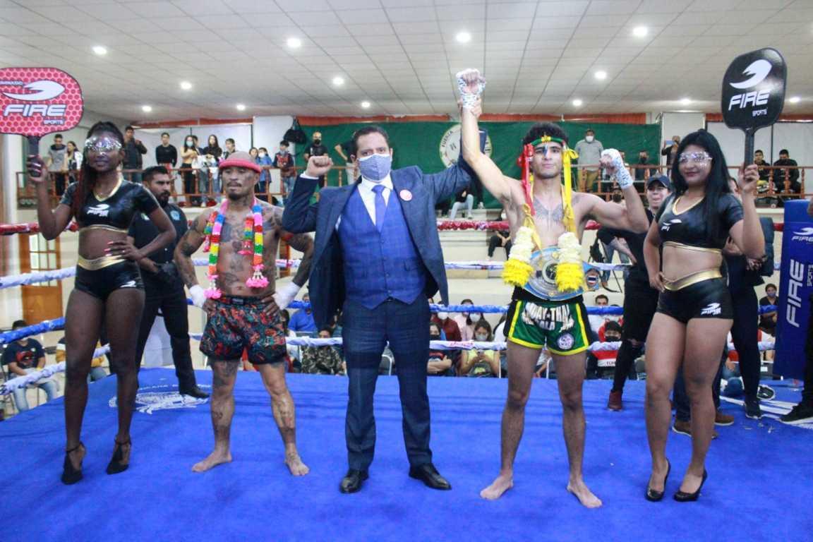 Tailandia en Tlaxcala, entregan cinturón a campeón nacional de Muay Thai