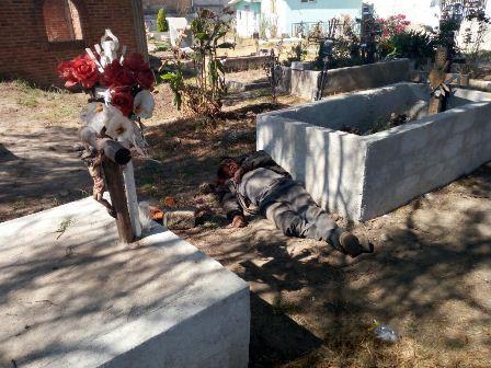 Entró vivo y encontró la muerte en el panteón de Panotla