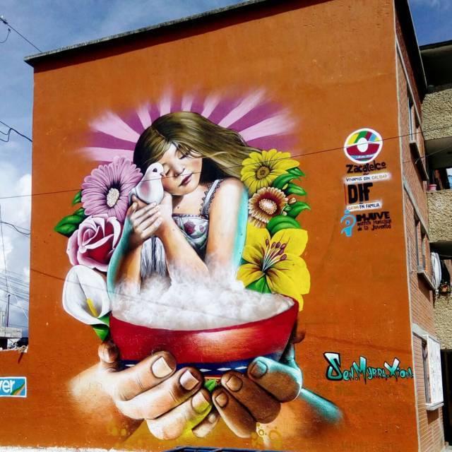 """Jóvenes fomentan valores pintando el """"Mural por la Paz"""""""