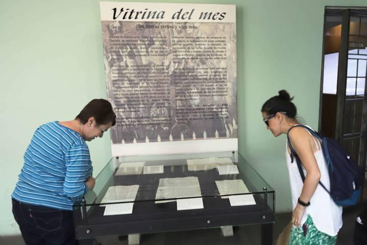 Museo de la Memoria dedica vitrina del mes a las fiestas civiles durante La Colonia