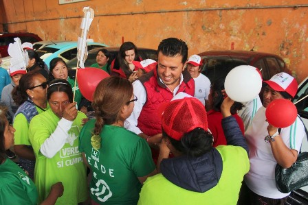 Propone Ramírez abrir más mercado a artesanías tlaxcaltecas
