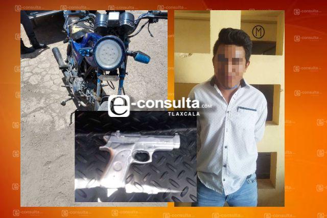 Aseguran a una persona en posesión ilegal de un arma de fuego en Tequexquitla