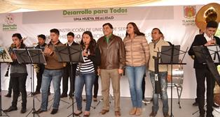 Lilia Caritina Olvera recibe a MGZ en Nanacamilpa