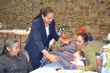 Lilia Olvera convive con pacientes de la UBR Nanacamilpa