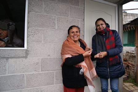 Alcaldesa entrega cuartos a personas vulnerables