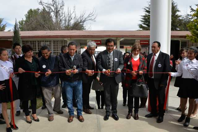 Inaugura Víctor Hugo Sánchez techumbre en Secundaría Técnica No. 5