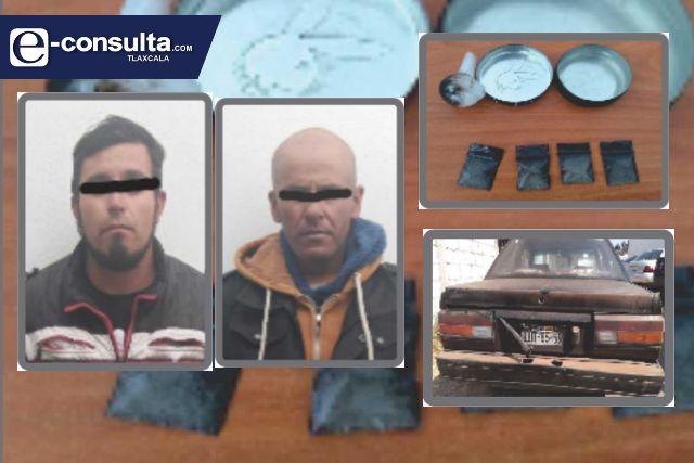 Detienen a dos narcomenudistas en Tlaxco