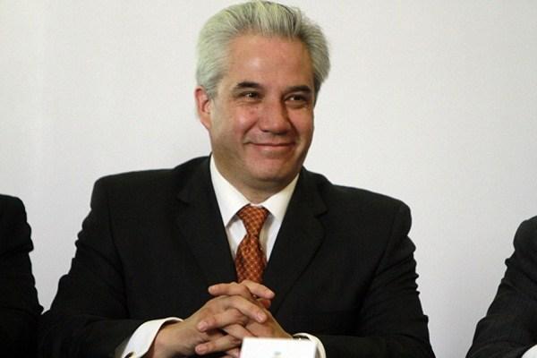 Noé Rodríguez, un secretario mentiroso que amenaza a Pronto