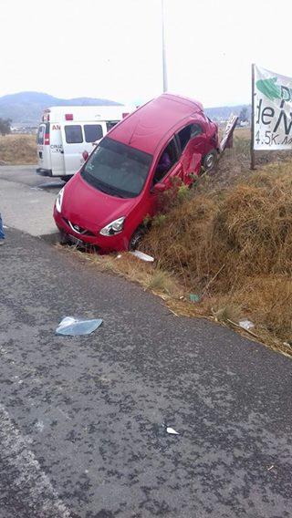 Se accidentan en carretera Tlaxco- La Unión