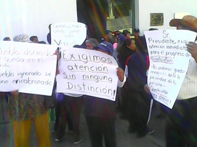 Población le reclama ineptitud al alcalde de Totolac