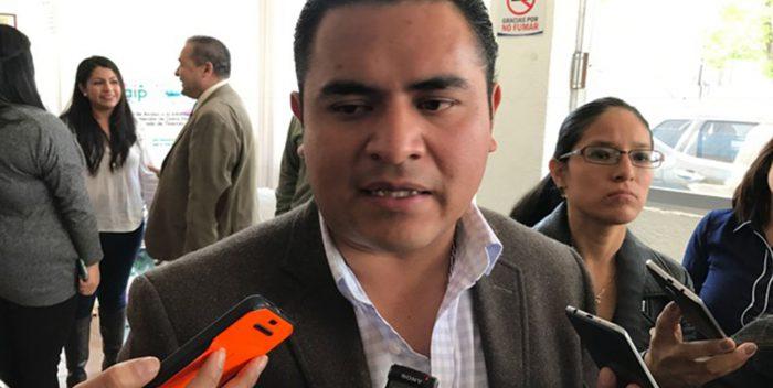 Respalda alcalde de Apizaco a director de Obras