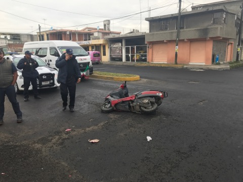 Taxista atropella a familia completa en Apizaco