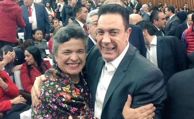 Reaparece Beatriz Paredes en evento nacional del PRI