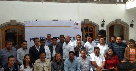 Calentadores solares para todas las familias en Texoloc