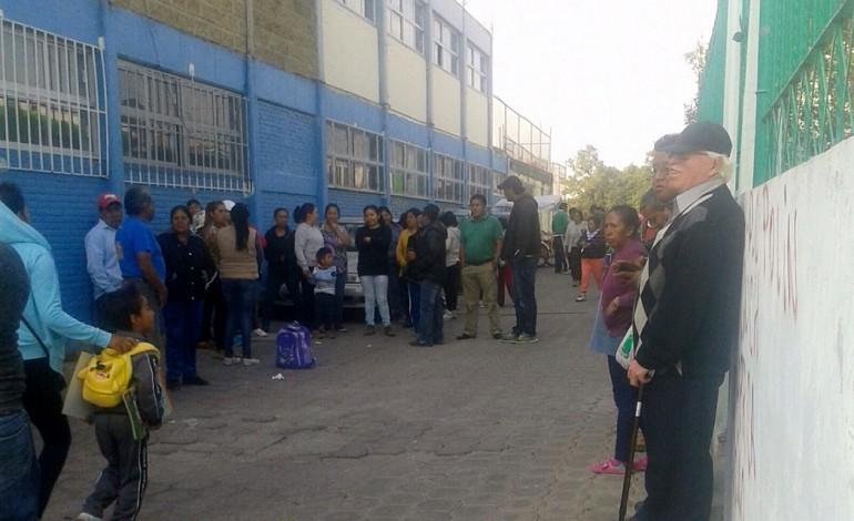 Por mal trato cierran Centro de Salud en Cuahuixmatlac