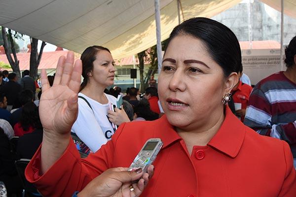 De a mil pesos compra Blanca Águila el voto, invertirá 2 millones de pesos