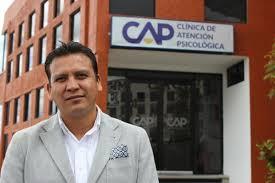 Gregorio Cervantes roba reflectores a su jefe Alberto Amaro