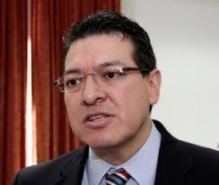 Cumple gobernador Marco Mena con convenio de la UATx
