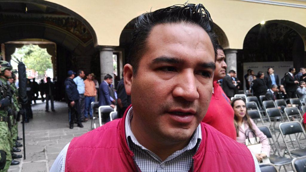 De parranda y en campaña el secretario del Ayuntamiento de Chiautempan