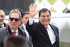Mariano González se va y daña patrimonio de 50 familias