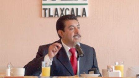 A la deriva el PRI; nuevo líder sin asumir control del partido