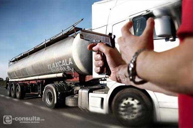 Mientras procurador persigue a niñera se roban otro camión
