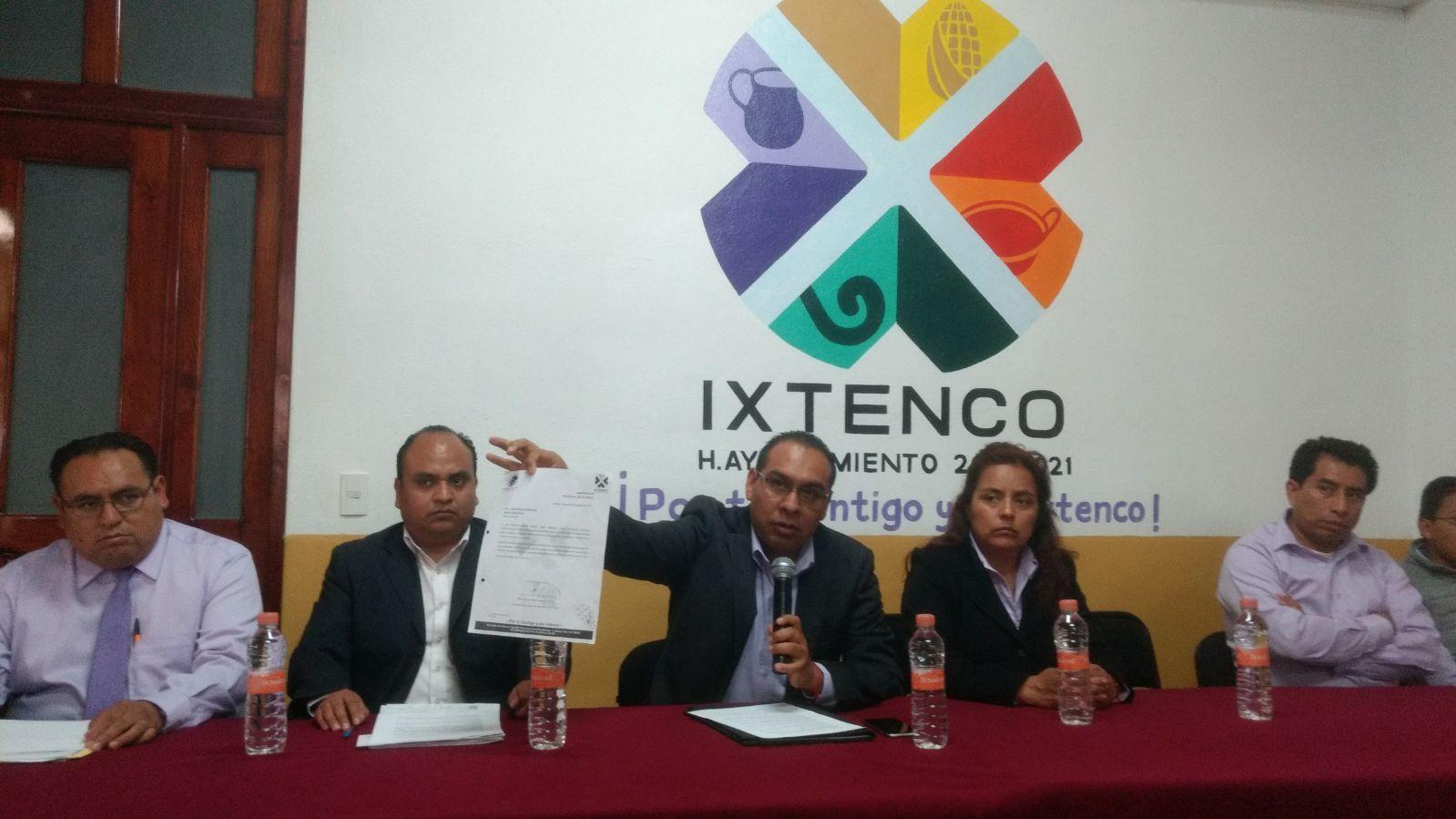 Por chismosa y ambiciosa exhiben a síndico de Ixtenco