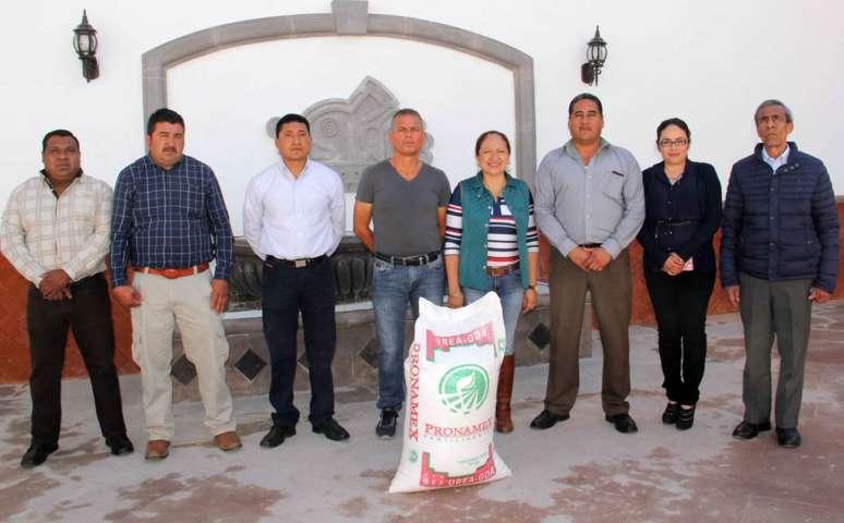 Alcaldesa de Texoloc con todo el apoyo a campesinos