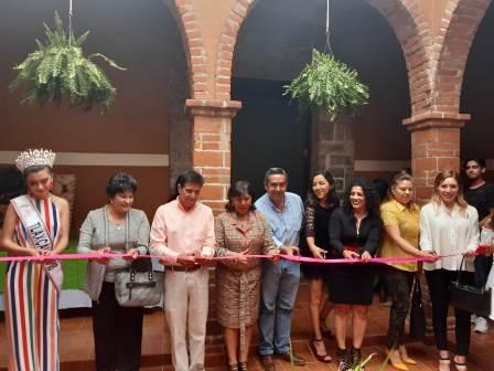 Inaugura Anabell Ávalos Plaza Comercial Artesanal To-Calli