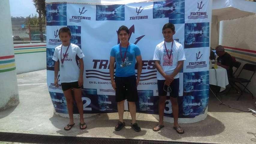 Destacan nadadores apizaquenses con más de 30 medallas en ''Copa Cholula''