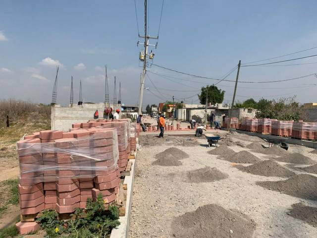 Invierte Xicohtzinco más de 6 millones de pesos en pavimentación