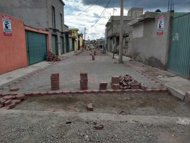 Alcalde señala que La obra de pavimentación en San Lucas tiene un 80% de avance