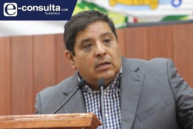 Llama Víctor Castro a endurecer medidas para frenar COVID-19