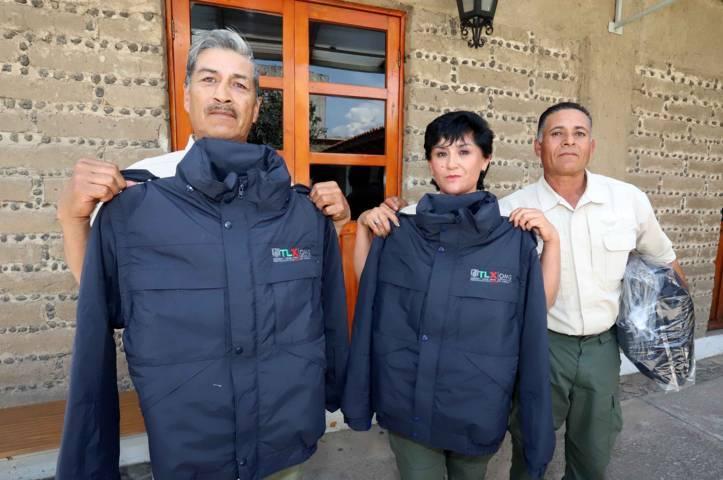 Entrega OMG uniformes a personal de primer contacto con ciudadanos