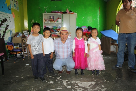 Orea Albarrán comprometido con el campo y la educación