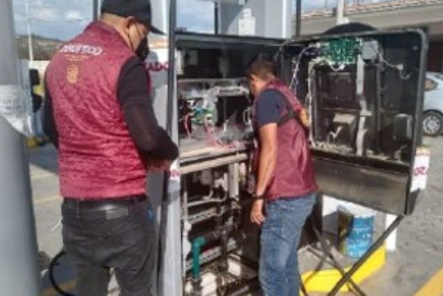 Cumplimentan orden de cateo la PFM y PROFECO en gasolinera de Huactzinco