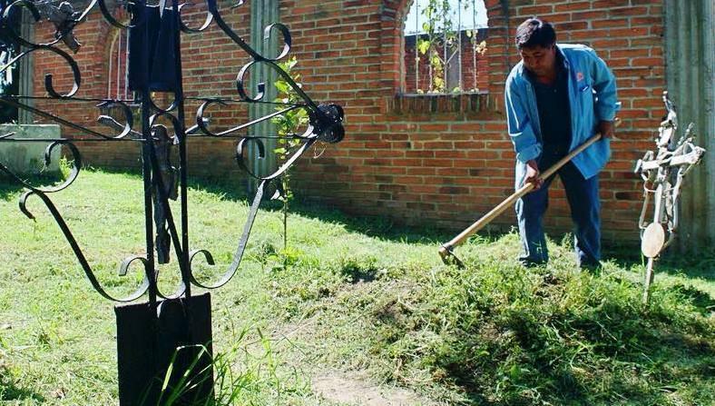 Limpios y con seguridad los panteones para recibir a visitantes en Panotla