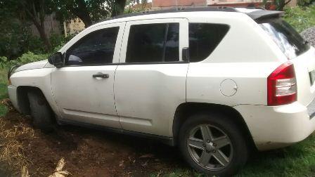 Ubican policías camioneta que fue robada en Papalotla