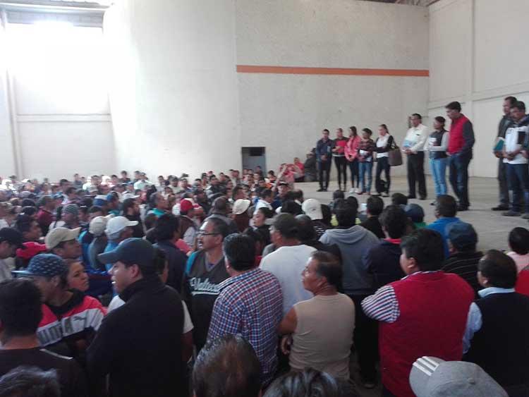 Inepto e impuntual alcalde de Papalotla, se quejan pobladores