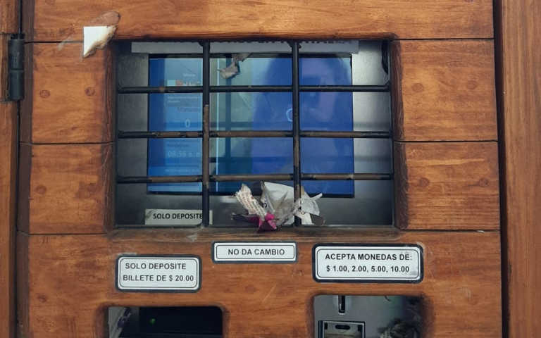 Investigarán destrucción de pantallas de parquímetros en la capital