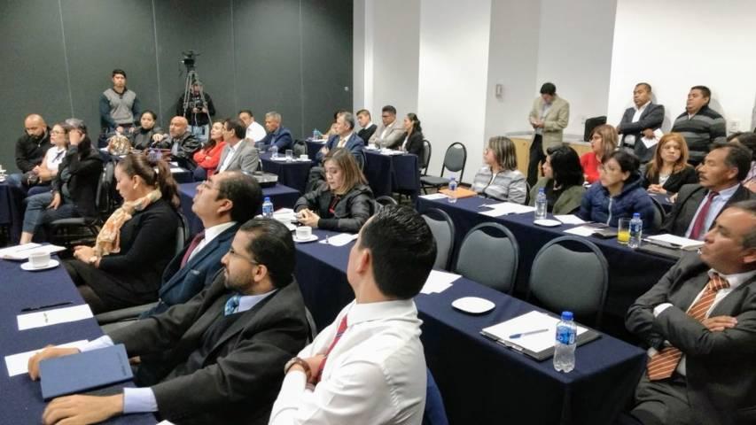 Capacita TEPJF a secretarios de estudio y coordinadores de ponencia del TET
