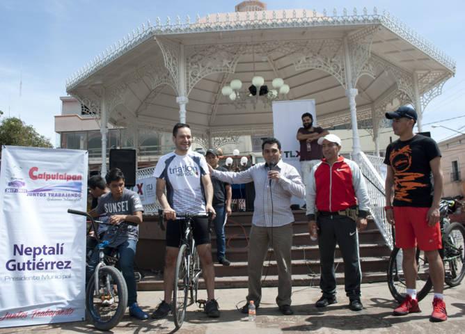 Ayuntamiento celebra a los jóvenes a través de un paseo ciclista