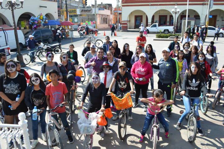 Ayuntamiento Celebra el Día de Muertos con un paseo ciclista
