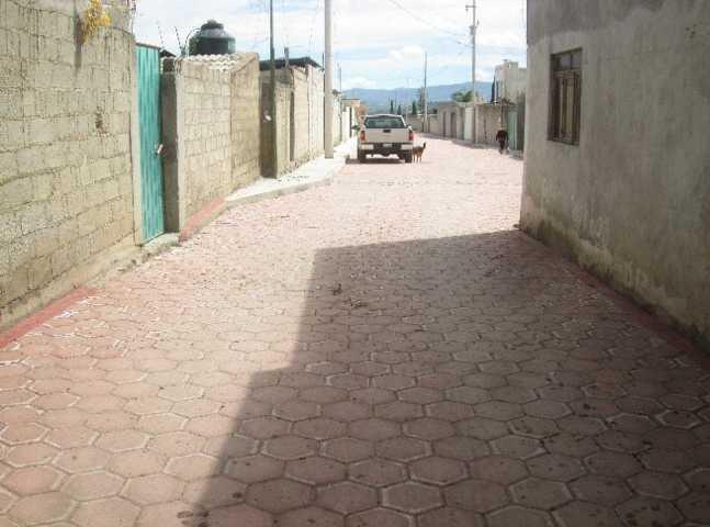 Hace realidad alcalde de Huamantla pavimento de adoquín en Lázaro Cárdenas