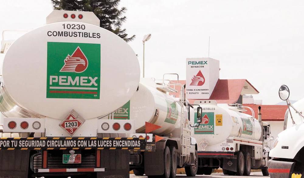 Continúa regularizándose el abasto de gasolinas: Pemex