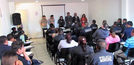 Ofrecer trato digno a visitantes de la capital piden a policías