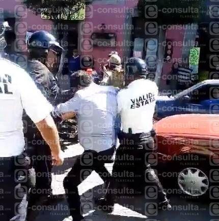 Se hace viral video de policías abusivos en Tlaxcala capital